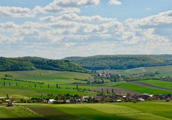 21 milliárd forintot nyertek kistelepülések a Magyar falu program két pályázatán.