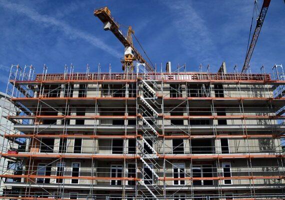 Az otthonfelújítási program nyomán megnőtt a kereslet az építőanyagokra.