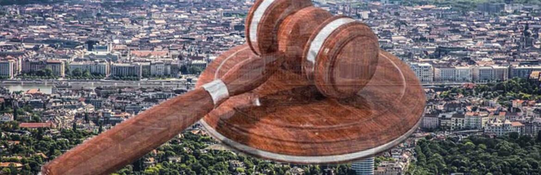 Az Alkotmánybírósághoz fordult a lakástörvény miatt az államfő.