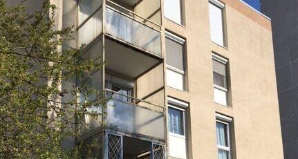 Kispest központjában 3+1 félszobás I. emeleti panelprogramos lakás nagy tárolóval 33,9 MFt!