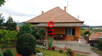 Eladó családi ház Szokolyán az Ady Endre utcában. 54.99 M Ft