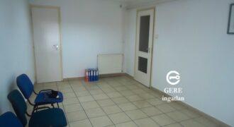 Kiadó 26 m2-es irodahelyiség Vác központjától 5 percre.